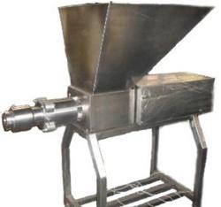 Пресс-сепаратор для дообвалки костей птицы, рыбы, свиней, КРС У-800, Россия