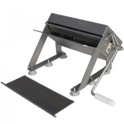 Машина для дробления мелких вилочковых костей рыбы-ручное управление